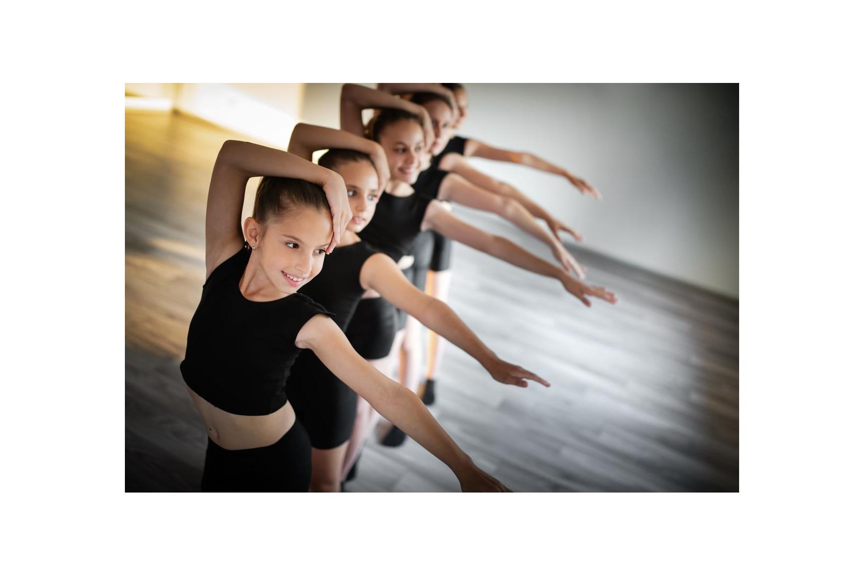 EMD, tous les uniformes pour les cours de cette école de danse