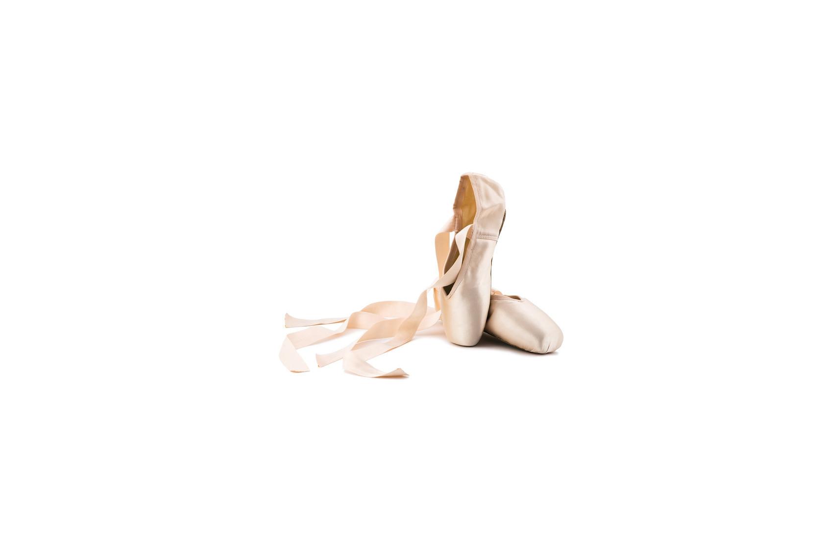 Tout pour entretenir vos chaussons de danse et vos pieds.