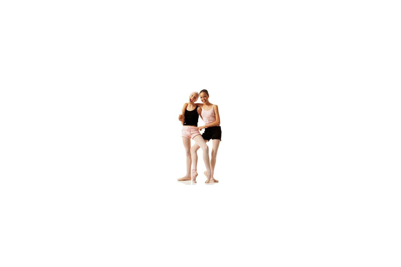 Shorts d'échauffement : pour des jambes libres de leurs mouvements.