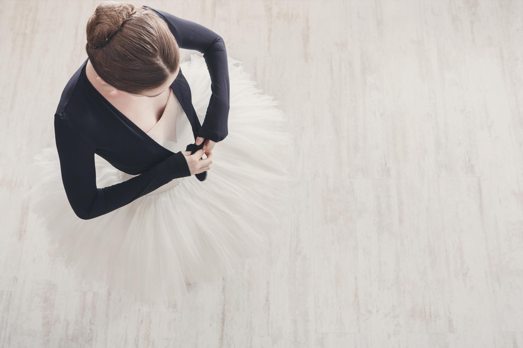 Tops et cache-cœurs de danse : échauffez-vous en douceur.